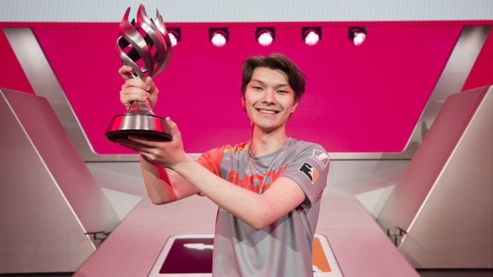 sinatraa leaves Overwatch